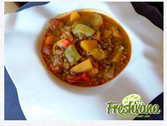 Hoy vamos a disfrutar de una #receta #tradicional, un #guiso de #lentejas con #verduras de #Freshvana elaborado por el #Chef Juan Mari.  https://freshvana.com/es/disfruta/todas-recetas/receta/59-lentejas-con-verduras  INGREDIENTES Para 4 personas () 400 Gr. de lentejas 2 Chorizos 1 Hueso de jamón 1 Hoja de laurel 150 Gr. de col 150 Gr. de col 150 Gr. de calabaza 150 Gr. de judías verdes 3 Zanahorias 1 Cabeza de ajos 1 Tomate maduro 0 Aceite y sal 2 Litros de agua