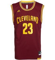 """<p>Maillot Replica ADIDAS NBA Cleveland Cavaliers Lebron James 23, sans manches, col V, coupe ample, imprimé à l'avant """"Cleveland 23"""", logo adidas brodé, étiquette adidas x NBA cousue à la taille, imprimé dos James 23</p><p>100 % polyester </p>"""
