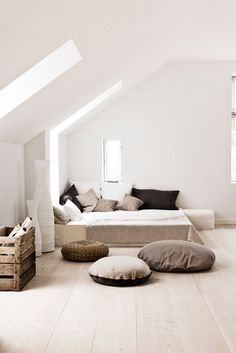for summer cottage - This is a gorgeous room. My guess is the dogs living on those beds get baths each day and don't walk on dirt.