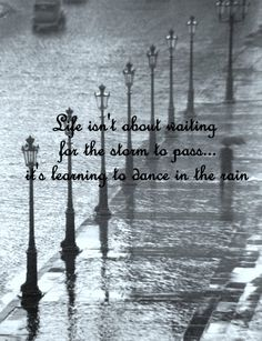 Paris sous la pluie, Paris in the rain. by esther Andre Kertesz, Walking In The Rain, Singing In The Rain, Phoenix Legend, City Rain, Rain And Thunder, Smell Of Rain, I Love Rain, Sound Of Rain