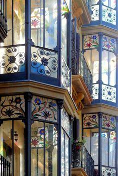 "Barcelona--Art Nouveau era bay windows, with ""blooming"" stain-glass details Art Nouveau, Beautiful Buildings, Beautiful Places, Beautiful Beautiful, Dead Gorgeous, Wonderful Places, Amazing Places, Architecture Cool, Barcelona Architecture"