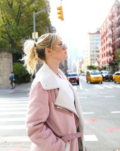 missing that nyc jacket weather ♡ ps. did you see how I got ready for the watch my newest vlog to see how! Youtube Alisha Marie, Beach Instagram Pictures, Lauren Riihimaki, Cute Pictures, Cool Photos, Photoshoot Inspiration, Dance Moms, Youtubers, Women Wear
