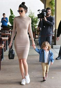 When You Don't Know What to Wear, Take Inspo From Kendall Jenner – Bodycon Dress Kendall Jenner Estilo, Kendall Jenner Outfits, Kendall Jenner Tumblr, Kylie Jenner, Mode Outfits, Casual Outfits, Fashion Outfits, Womens Fashion, Jenner Style