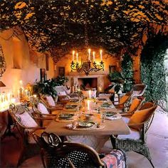 Welcome! Enjoy! Romantic outdoor dining room on Mallorca @ zeospot.com