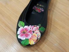 Tole Painting, Tory Burch Flats, Custom Shoes, Loafers, Blog, Clothing, Fashion, T Shirts, Custom Tennis Shoes