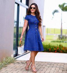 Apaixonada por esse lady like jeans . . . . . . #modaevangelica #tbt #evangelicachique #inspiracaoemoda #modagospel #dicasdemoda#evangelicacomestilo #tendenciaevangelica #evangelicatop #evangelicanamoda #saiasdamoda #blogdemoda #ccb #adb #modaparameninas #assembleiana #blogueiranamoda #instamodas #adbnamodagospel #assembleianosnamoda #modafeminina #modaparacrentes #plussize #plussizeparacrente #evangelicasplus