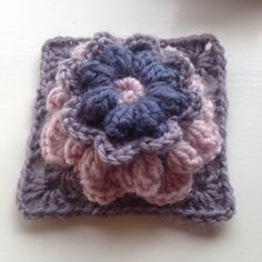 "The ""Sass square"" - Free crochet pattern in English and Norwegian by Mjukdesign MKS"