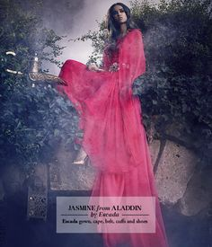 10 diseñadores femeninos de élite reinventan los icónicos vestidos de las princesas Disney: Jasmine.//