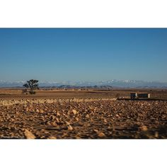 Photograph  Ian Cox @wallkandy 'Sand & Snow' desert excursions in the shadow of the snow capped peaks of the Atlas Mountains. #Wallkandy #travel #roadtrip #desert #atlasmountains #juxtaposition #scenery #africa #Morocco #Marrakesh #essaouira #fb #f #t #p #dunes