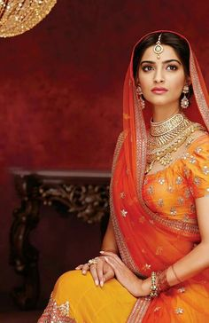 Sonam Kapoor in her Bollywood Bridal Avatar Bollywood Bridal, Bollywood Fashion, Bollywood Jewelry, Sonam Kapoor, India Fashion, Ethnic Fashion, Saris, Bollywood Celebrities, Bollywood Actress