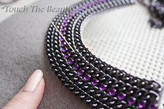 В сегодняшнем мастер-классе речь пойдёт о создании авторского колье под названием 'Violet dreams' в технике вышивки бисером. Для начала небольшой эскиз будущей работы: Для работы нам понадобится: фетр (я использовала листовой), бисер (чешский), камни пришивные (у меня это камешек «кошачий глаз» сиреневый), пластиковые камни, цепочка 2 видов, лента атласная для завязок, фурнитура с камнями, бусины разного размера и материала, иск.