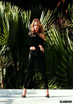 Go behind-the-scenes at Shakira's Glamour Magazine cover-shoot! Watch here: http://youtu.be/vyigI2T1AyA