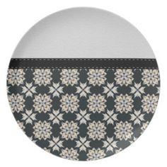 Beautiful Black & White Abstract Pattern Plate