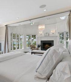 25 Elegant Bedroom Design Inspiration & Ideas. Follow us for more Home & Decor Inspiration | Vienné & Ventura