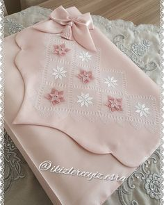Wedding Bikini, Backpack Tutorial, Couture Embroidery, Suit Covers, Prayer Rug, Cushion Covers, Cross Stitch Embroidery, Diy And Crafts, Sewing Projects