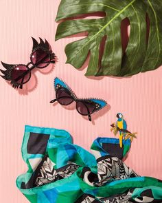 °★ ☽ FORGET ME NOT ☾ ★ ° scarf - refinery 29 - fun sunglasses - tropical inspiration - set design - style life magazine Jewelry Photography, Still Life Photography, Editorial Photography, Fashion Photography, Product Photography, Tropical, Fashion Still Life, Cool Sunglasses, Sunglasses Outlet