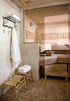 Portable Steam Sauna - We Answer All Your Questions! Portable Steam Sauna, Sauna Ideas, Sauna Design, Finnish Sauna, Zen Room, Spa Rooms, Saunas, Home And Living, Aurora