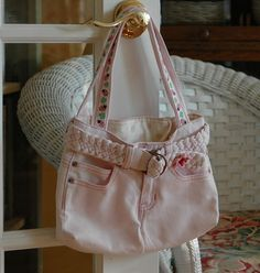 Jean Purse made from a pair of little girls jeans...adorable !
