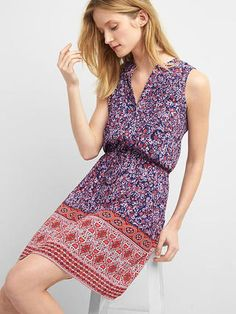 Sleeveless pintuck shirtdress
