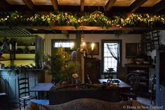 Holidays...Home in New England..i love this reminds me of my dining room....ricki