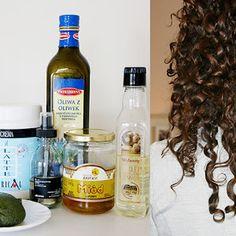 DOMOWE & NATURALNE PEELINGI DO CIAŁA, TWARZY I UST | CURLY MADELEINE czyli jak pokochać kręcone włosy? Whiskey Bottle, Vodka Bottle, Aloe Vera, Easy Hairstyles, Curly Hair Styles, Loki, Beauty, Wax, Madeleine