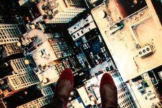 E perché non concedersi una camminata sui tetti di New York, se si può fare? Decorazione su vetro di Vetreria Noventavetro /// Why not to give yourself a walk on the roofs of New York, if it is possible? Glass decoration, Vetreria Noventavetro