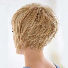 Graduated layered bob. Love the fringy neckline.