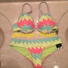 VICTORIA'S SECRET BIKINI SET NWT VICTORIA'S SECRET BIKINI SET TOP- 36C BOTTOM- SMALL NOT SELLING SEPARATELY!   NO TRADES Victoria's Secret Swim Bikinis