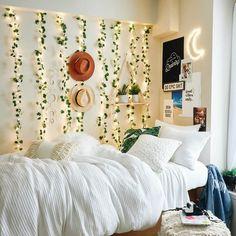 Cute Room Ideas, Cute Room Decor, Teen Room Decor, College Room Decor, Apartment Ideas College, Dorms Decor, Dorm Room Designs, Room Ideas Bedroom, Bedroom Decor