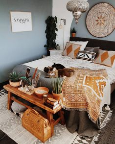 Unbelievable plans for boho bedroom hippie boho gypsy bedroom styles, bohem Gypsy Bedroom, Bohemian Bedroom Decor, Decoration Bedroom, Hippie Home Decor, Small Room Bedroom, Living Room Bedroom, Decor Room, Bedroom Ideas, Master Bedroom