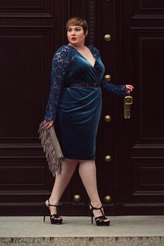 Luciana in Anna Scholz for Sheego plus size petrol velvet dress with lace sleeves