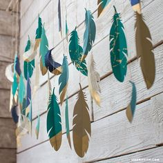 Paper Feather Wall Hanging! so simple yet effective! includes  printable pdf!