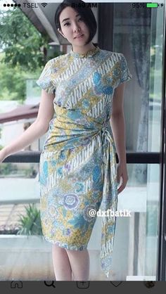 37 Ideas dress simple batik for 2019 Kebaya Dress, Batik Kebaya, Blouse Dress, Dress Lace, Model Dress Batik, Batik Dress, Dress Batik Kombinasi, Mode Batik, Amarillis