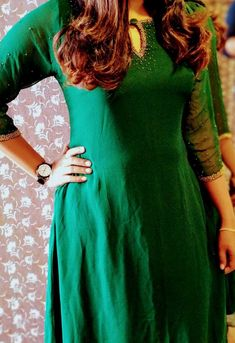 Salwar Neck Designs, Kurta Neck Design, Kurta Designs Women, Dress Neck Designs, Simple Kurta Designs, Stylish Dress Designs, Stylish Dresses, Churidhar Designs, Salwar Pattern