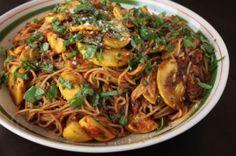Whole Wheat Spaghetti with Fresh Basil and Summer Squash