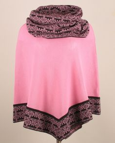 Alpaca knit poncho in Chanel colours Timeless elegant and fantastic warming