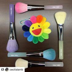 #Repost @cecilialamb with @repostapp  Happy colours  15FG Pink | Yellow | White | Blue | Purple #TakedaBrush #竹田 #fude #handmade #madeinjapan #japan #rainbow #rainbowcolours #thankstoshiya @fudejapan #kaikai #kiki #takashimurakami #sunflower