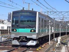 http://funini.com/train/tokyo/jre/e233_2000/index.html.en