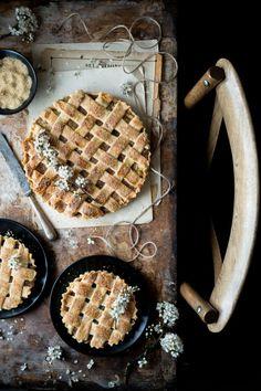 Apple Floral Pie.