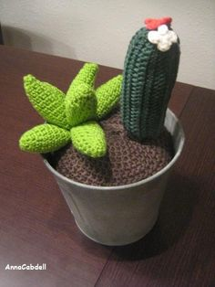 Cactus de ganchillo con NATURA de DMC.