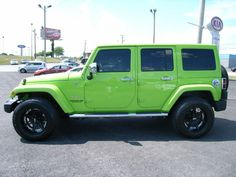 Cumberland Customs 2012 Jeep Wrangler Unlimited Hard Top Lime Green, Side