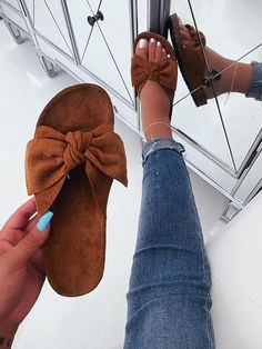 Slides - Outfit Made Balla Bow Slides If you are unable to find one of your local home improvement s Shoes Flats Sandals, Cute Sandals, Cute Shoes, Me Too Shoes, Shoe Boots, Heels, Brown Sandals, Trendy Shoes, Casual Shoes