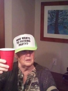 Funny Old People Haha Funny, Funny Memes, Hilarious, Funny Stuff, Funny Things, Random Stuff, Reaction Pictures, Funny Pictures, The Weeknd