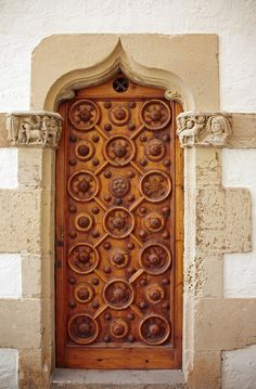 a door in spain... I love how the front doors itself is the center of attention...