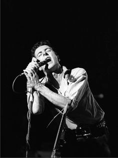 JOE STRUMMER (The Clash) [17 February 1979;@Palladium, New York | ©EbetRoberts]