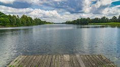 Blick auf die Ruderfläche des Elfrather Sees