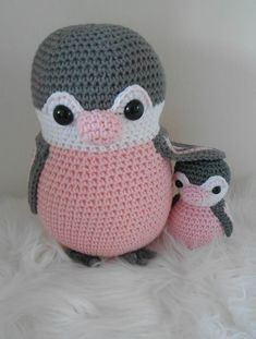 Mesmerizing Crochet an Amigurumi Rabbit Ideas. Lovely Crochet an Amigurumi Rabbit Ideas. Crochet Penguin, Crochet Bee, Kawaii Crochet, Crochet Animals, Crochet Dolls, Crochet Hats, Crochet Patron, Handmade Toys, Crochet Projects