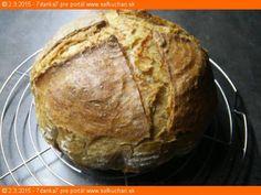 Chlieb som nekúpila už niekoľko rokov. Je to pre mňa úplne prirodzené, že keď sa míňa, spravím si ďaľší.  Tento recept Vám dáva do pozornosti: Šéfkuchári.sk