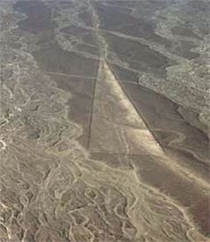 The Nazca Lines Gallery: Nazca Lines - Flared Line
