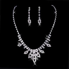 The cheap white rhinestones married necklace
